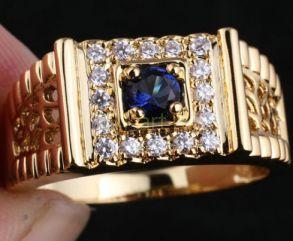 Позолоченное кольцо-печатка с искусственными сапфиром и бриллиантами (арт. 260110)