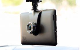 Автомобильный GPS навигатор + видеорегистратор