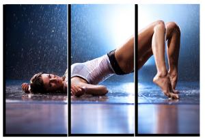 Модульная картина Девушка под дождем