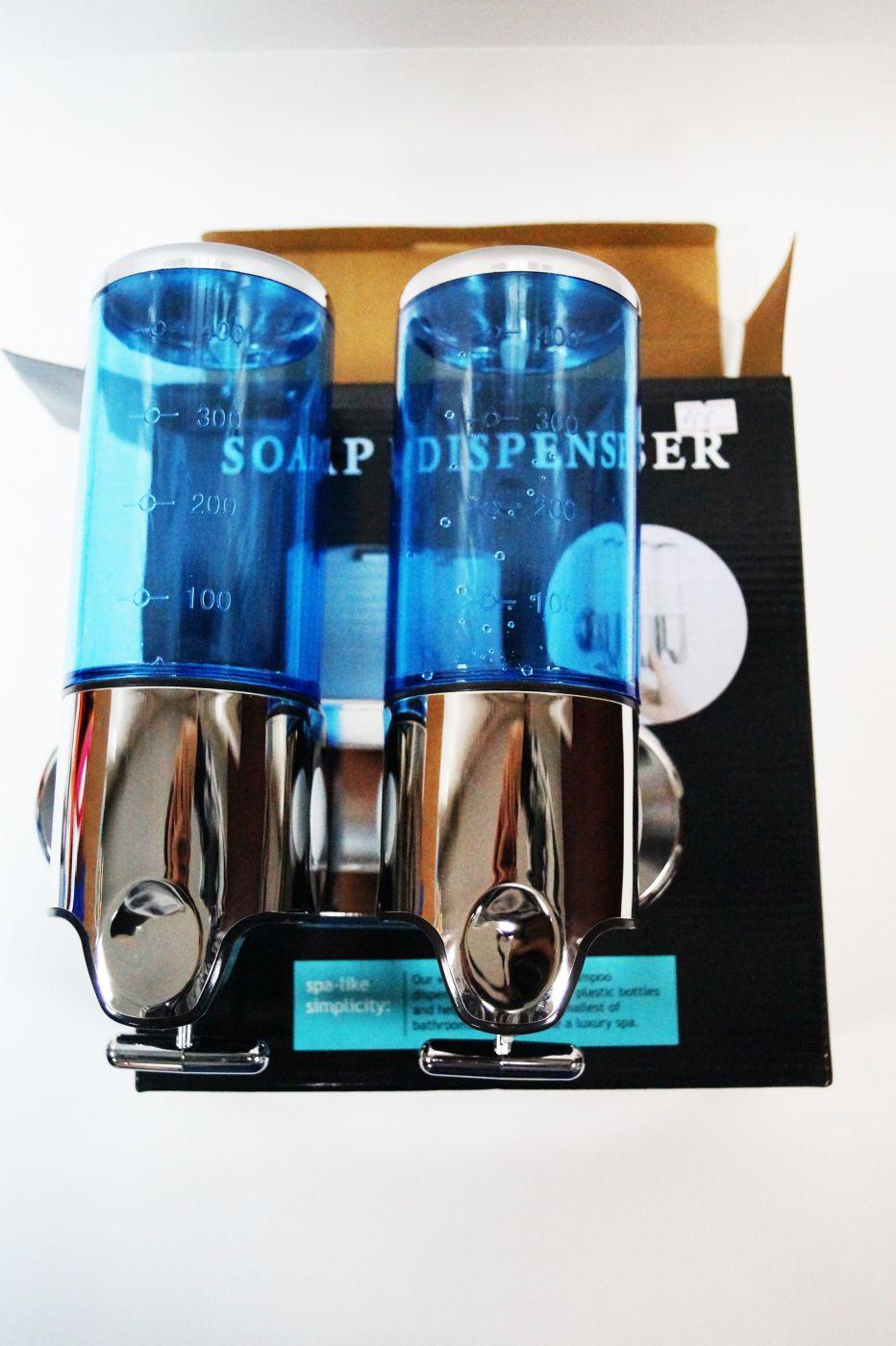 Двойной синий дозатор в ванну для мыла или шампуня 156