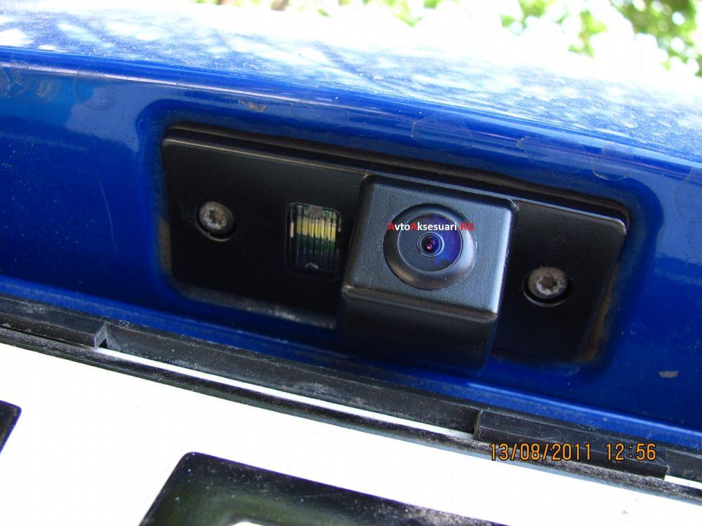 Камера заднего вида для Skoda Fabia 2008-2012