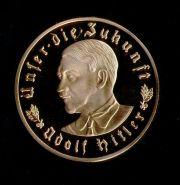 3 марки 1933 года Адольф Гитлер Германия Третий Рейх позолота копия в капсуле