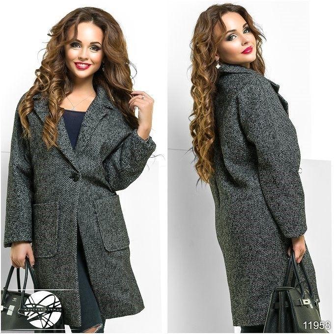 Пальто с крупными карманами