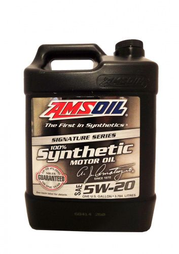 Моторное масло AMSOIL Signature Series Synthetic Motor Oil SAE 5W-20 (3,78л)