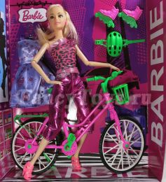Кукла Барби с велосипедом и роликами