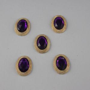 Кабошон со стразами, овал, цвет основы: золото, цвет стразы: фиолетовый, размер: 21х16мм (1уп = 10шт), Арт. КБС0267