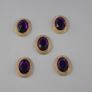 `Кабошон со стразами, овал, цвет основы: золото, цвет стразы: фиолетовый, размер: 21х16мм, Арт. Р-КБС0267
