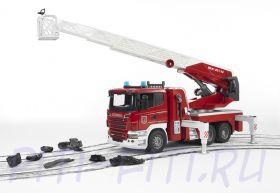 Bruder (Брудер) Пожарная машина Scania с выдвижной лестницей и помпой с модулем со световыми и звуковыми эффектами