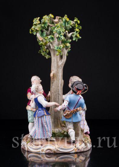 Антикварная старинная фарфоровая статуэтка Хоровод под деревом производства Meissen, Германия, 19 в.