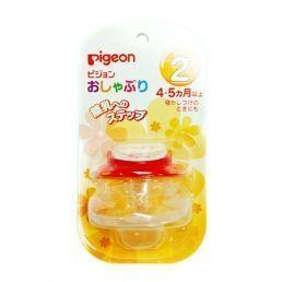PIGEON Пустышка Цветок 4+ мес., футляр для гигиеничного хранения.