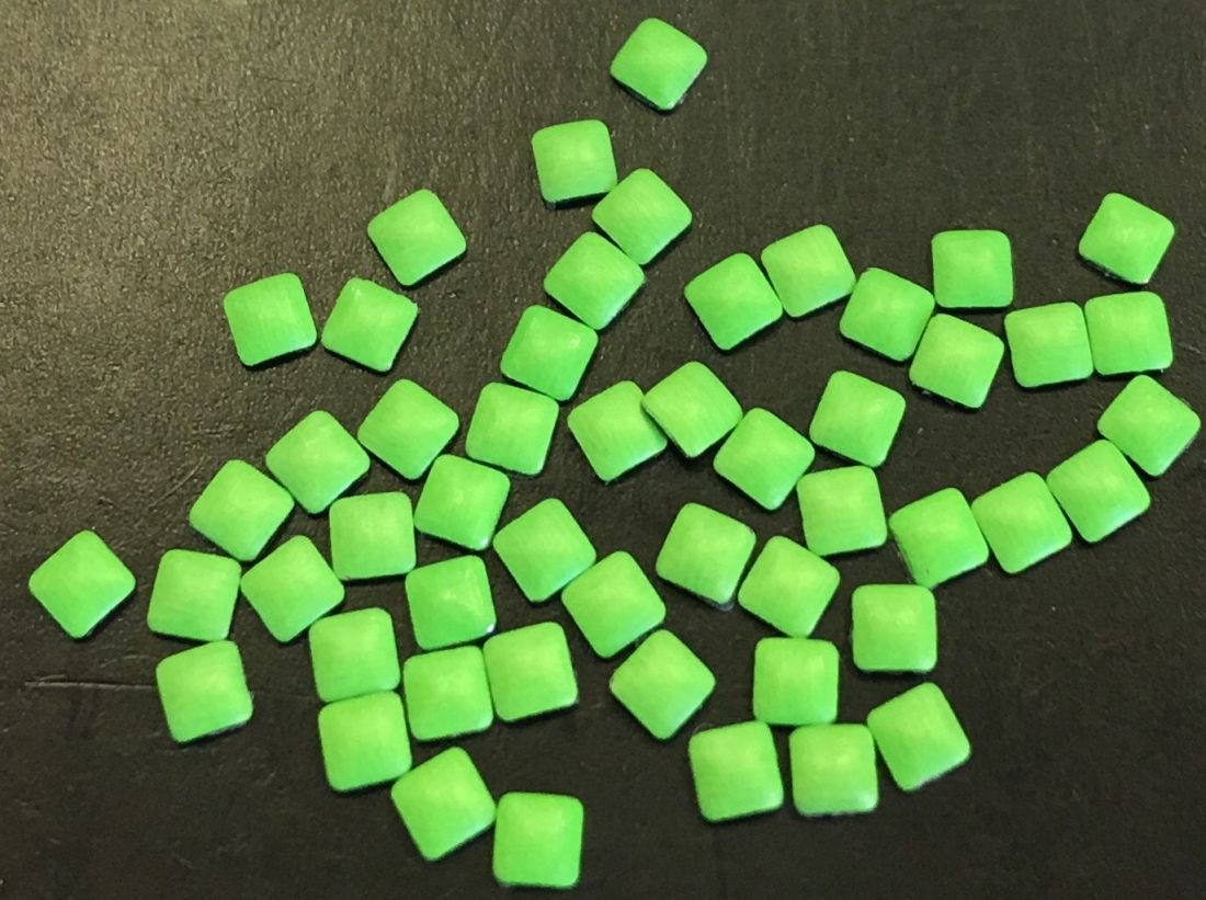 Квадрат пластиковый для дизайна 2мм*2мм (салатовый) 50шт