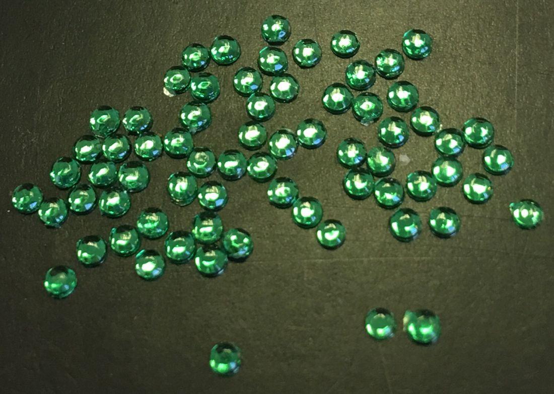 Стразы пластиковые круглые 1,5мм уп/70шт (зеленые)