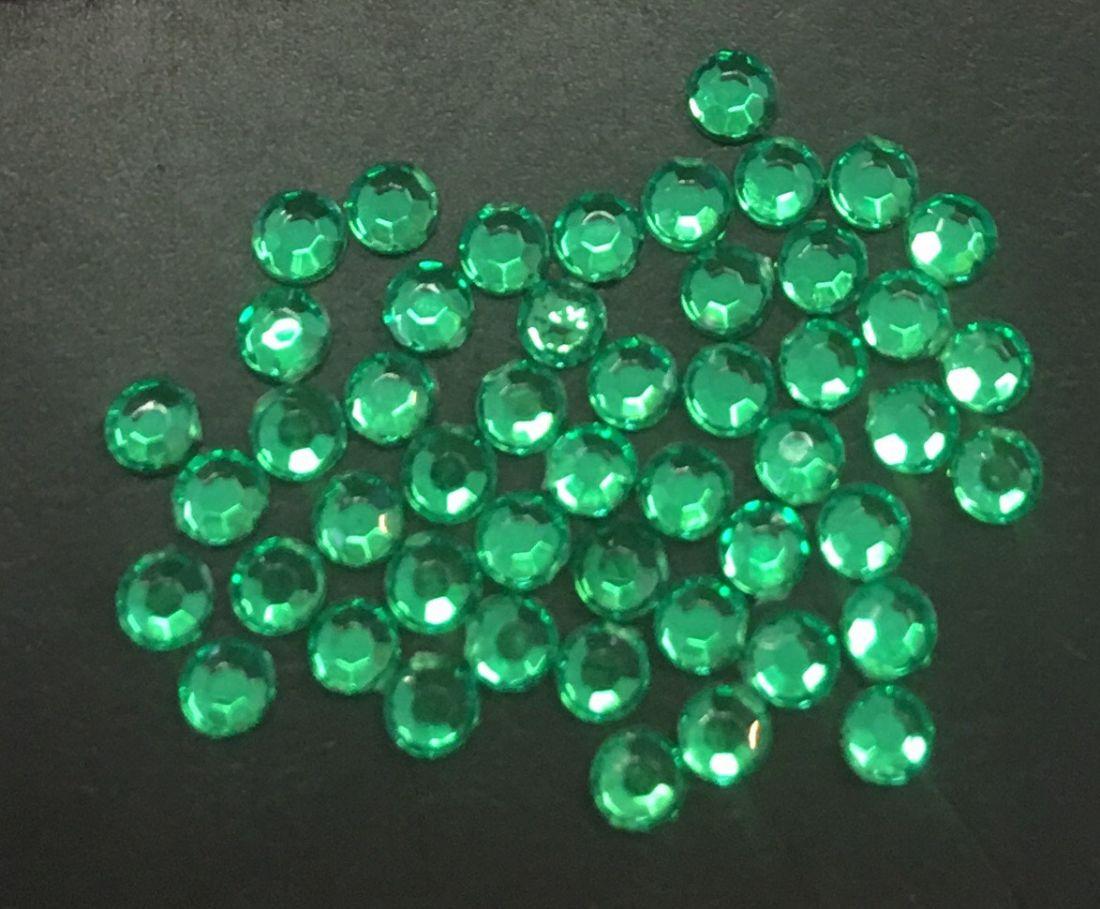 Стразы пластиковые круглые 2,41мм уп/50 шт (зеленые)