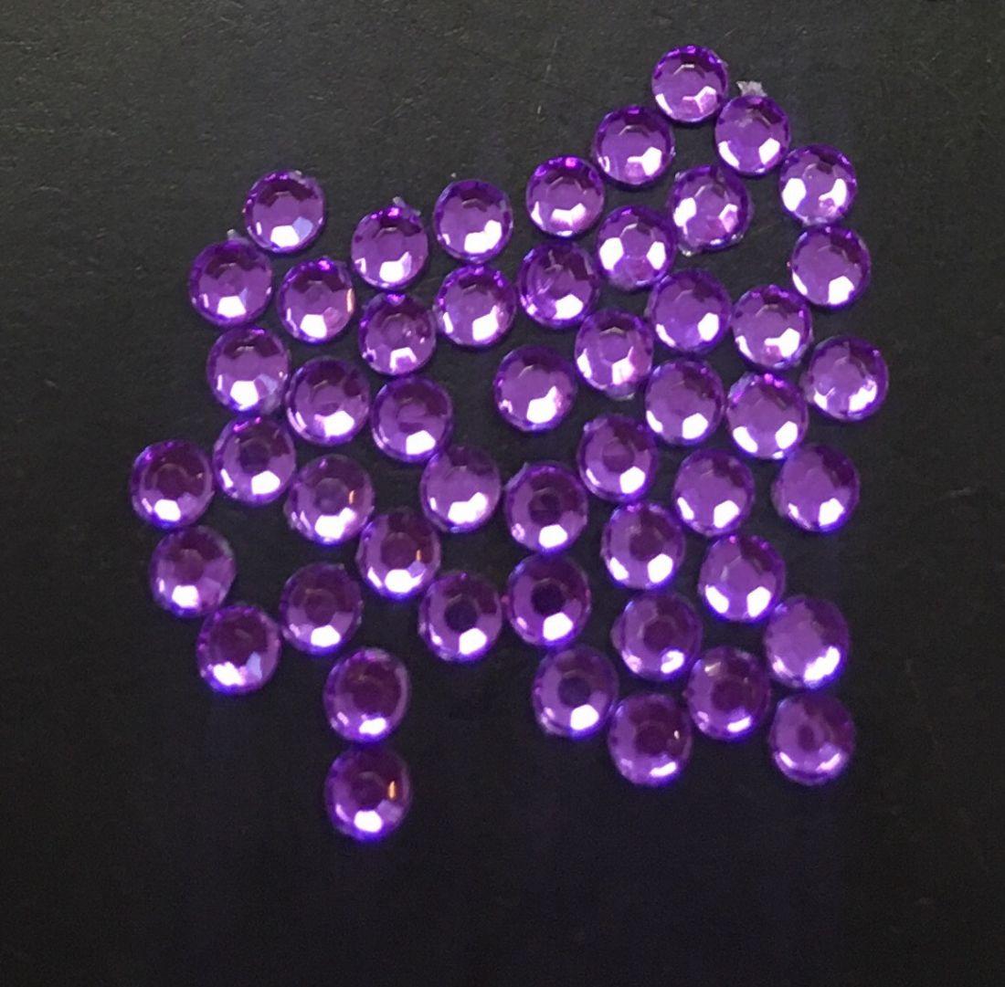 Стразы пластиковые круглые 2,41мм уп/50 шт (фиолетовый)