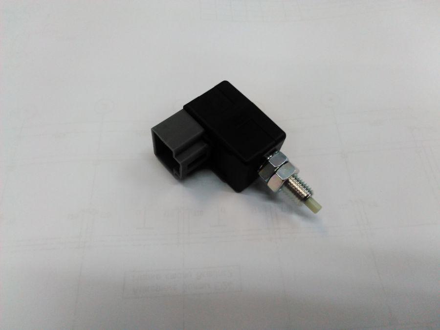Выключатель концевой стоп-сигнала KIA Sorento 938103KR0AQQK Kia