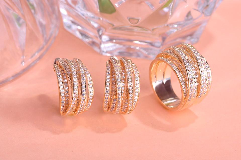 Золотые комплекты серьги и кольцо фото