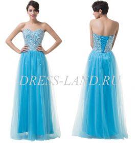 Голубое платье с пышной юбкой и стразами