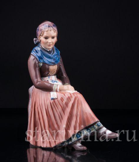 Изображение Женщина в народном костюме, Dahl Jensen, Дания, сер. 20 в