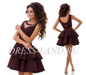 Темно-бордовое платье с пышной юбкой из неопрена