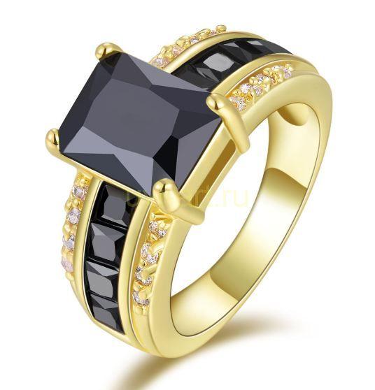 Позолоченное кольцо с ониксами и искусственными бриллиантами (арт. 900572)