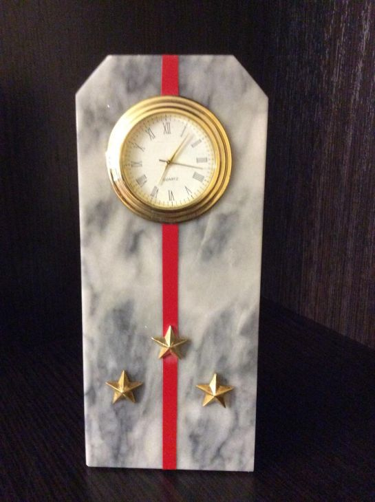 Часы Погон старший лейтенант мрамор