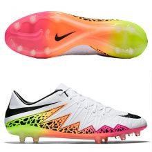 Футбольные бутсы Nike Hypervenom Phinish FG белые