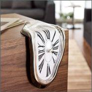 Часы в стиле Сальвадоре Дали