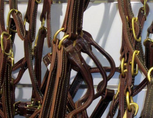 Кожаный недоуздок, прямоугольные  пряжки. W-PROFILE
