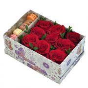 Заказать сладкую коробочку с пирожными макаронс с доставкой в Ярославле