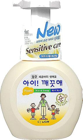 """LION Пенное мыло для рук """"Ai - Kekute""""  Sensitive д/чув кожи с антибактериальным эффектом, флакон-дозатор, 250 мл"""