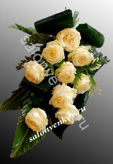 Траурный букет из живых цветов N3