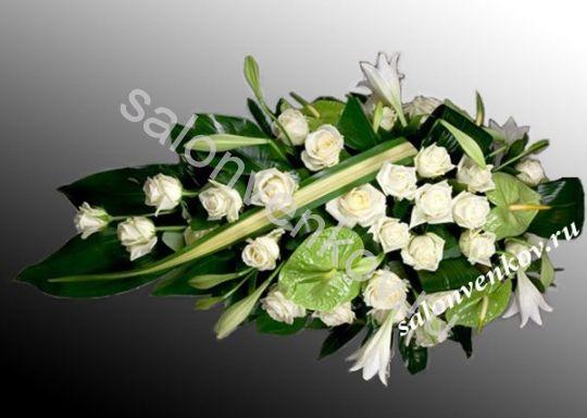 Траурный букет из живых цветов N4