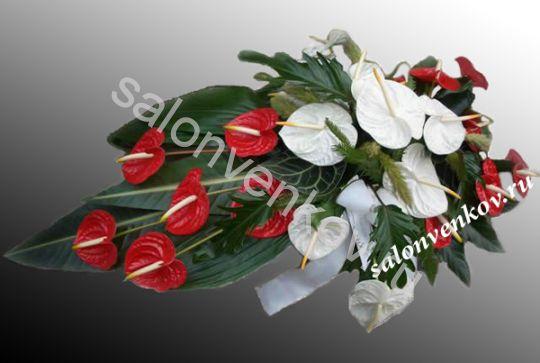 Траурный букет из живых цветов N5