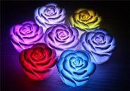 Светодиодный ночник в форме розы.