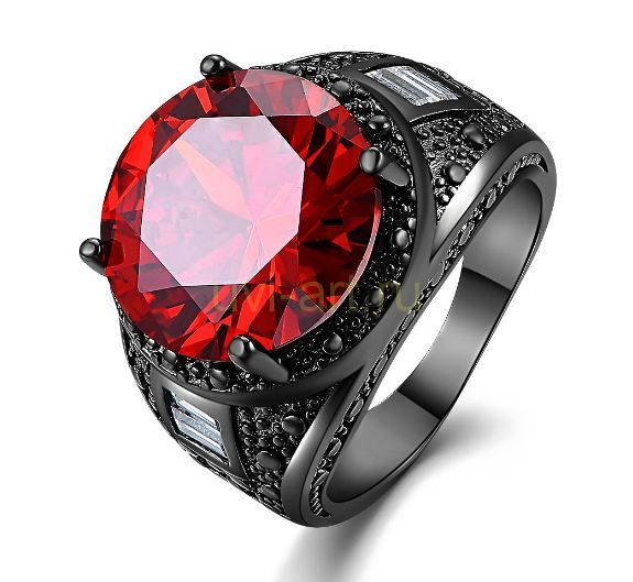 Позолоченный черненым золотом перстень с искусственным рубином (арт. 900584)