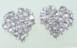"""Стильные позолоченные белым золотом серьги-гвоздики """"Сердце"""" с кристаллами Сваровски"""