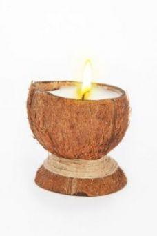 Свеча-эко ручной работы COCONUT в скорлупе кокоса с ванилью
