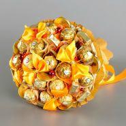 """Букет из конфет №702 """"Золотой персик"""""""
