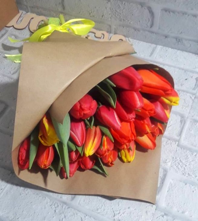 Букет из 27 Микс тюльпанов