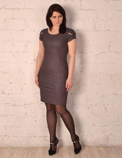 Строгое габардиновое платье сливового оттенка