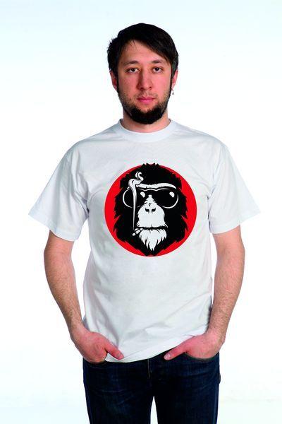 Обезьяна с сигаретой футболка мужская