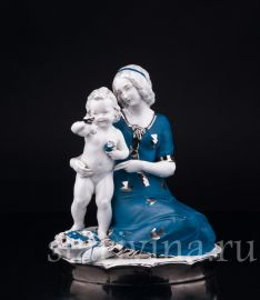 """Смотри, бабочка!"", мама с малышом, Hertwig & Co, Katzhutte, Германия, 1920-30 гг., артикул 03297"
