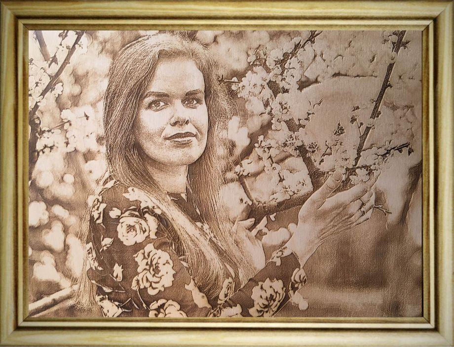 Фото (портрет) на дереве А3 (30х40 см) по вашему фото