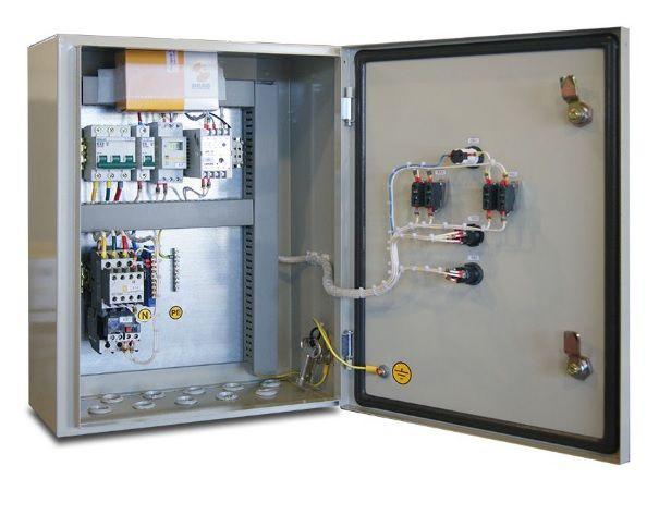 Щит управления освещением с автоматическим выключением