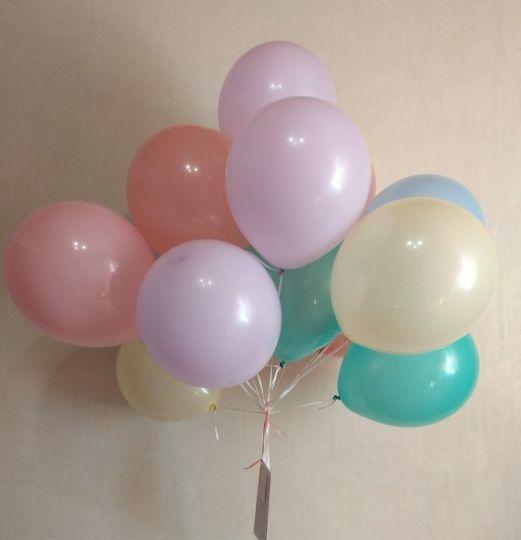 Ассорти шаров в нежных оттенках с гелием