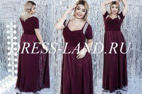 Бордовое вечернее платье с драпировкой на лифе