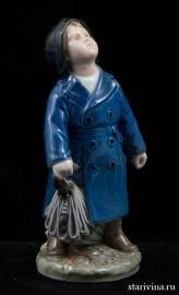 Мальчик с зонтиком. Royal Copenhagen, Дания., артикул 10058
