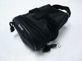 Подседельная сумочка с одним небольшим карманом. Легкая застежка. Цвет чёрный