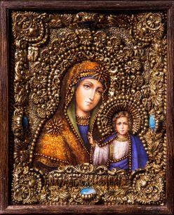 Икона Божьей Матери Казанская 19 х 23 см в киоте, роспись по дереву, самоцветы