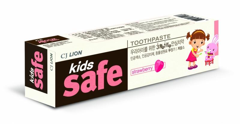"""CJ Lion Детская зубная паста """"Kids Safe"""" со вкусом клубники, от 3-х до 12 лет, 90 гр.."""